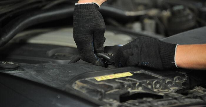 Tausch Tutorial Luftfilter am BMW X3 (E83) 2006 wechselt - Tipps und Tricks