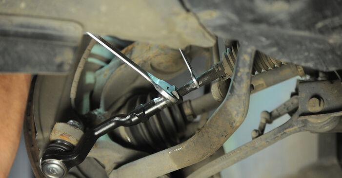 Tausch Tutorial Spurstangenkopf am BMW X3 (E83) 2006 wechselt - Tipps und Tricks