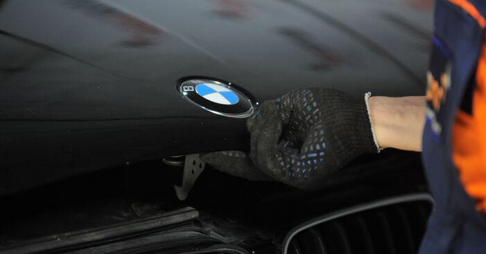 Самостоятелна смяна на BMW X3 (E83) xDrive20d 2.0 2008 Пружинно окачване - онлайн урок