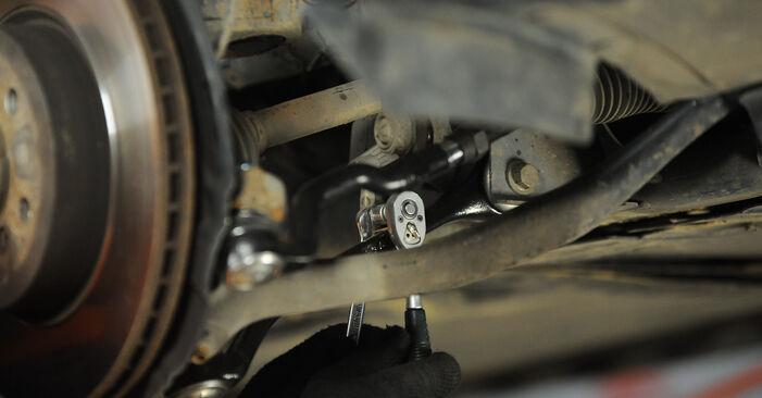 Не е трудно да го направим сами: смяна на Пружинно окачване на BMW X3 E83 2.0 i 2009 - свали илюстрирано ръководство