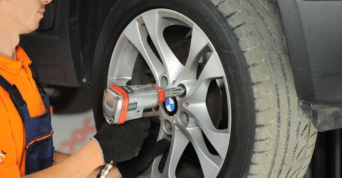 Austauschen Anleitung Federn am BMW X3 E83 2004 2.0 d selbst