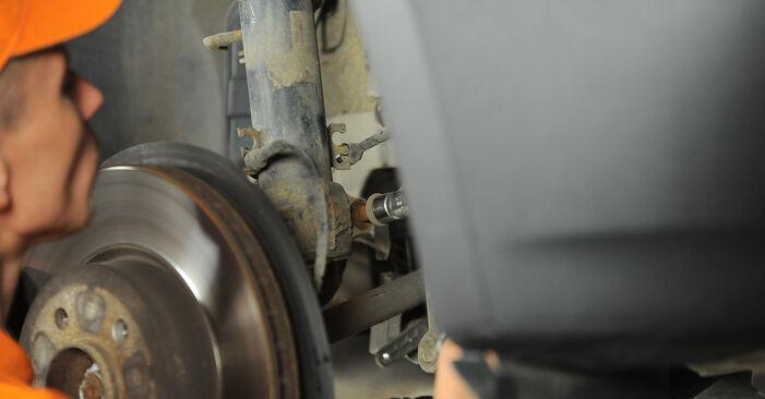 X3 (E83) 3.0 sd 2005 Strut Mount DIY replacement workshop manual