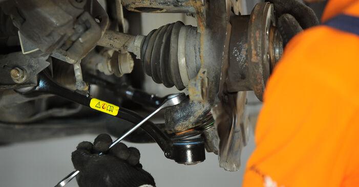 Mennyi ideig tart a csere: Kerékcsapágy BMW X3 E83 2011 - tájékoztató PDF útmutató
