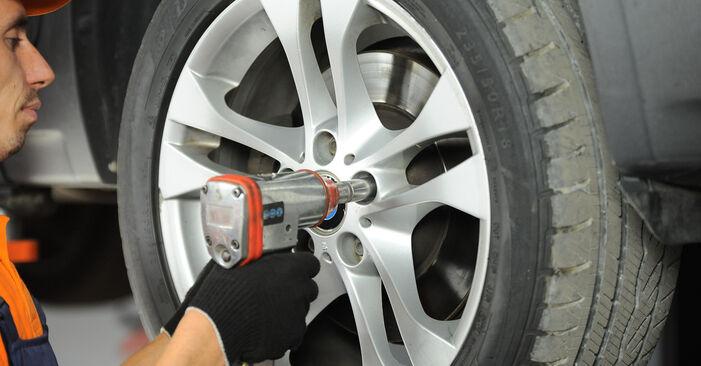 BMW X3 3.0 sd 2007 Kerékcsapágy eltávolítás - online könnyen követhető utasítások