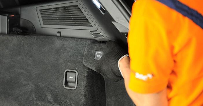 Kiek užtrunka keitimas: BMW X3 E83 2011 Amortizatoriaus Atraminis Guolis - informatyvi PDF instrukcija
