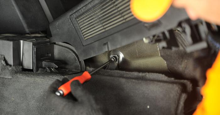 BMW X3 E83 2004 2.0 d Amortizatoriaus Atraminis Guolis keitimas savarankiškai