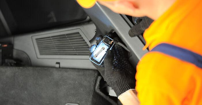 Kaip pakeisti BMW X3 (E83) 2006 Amortizatoriaus Atraminis Guolis - patarimai ir gudrybės