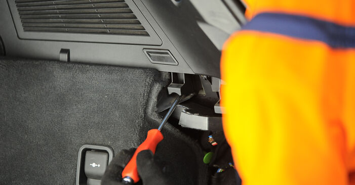 Kaip nuimti BMW X3 3.0 sd 2007 Amortizatoriaus Atraminis Guolis - nesudėtingos internetinės instrukcijos