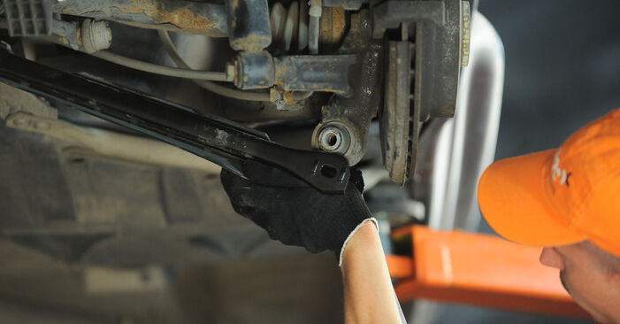 X3 (E83) 3.0 sd 2005 Control Arm DIY replacement workshop manual