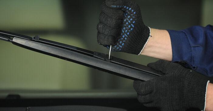 BMW E39 530d 3.0 1997 Valytuvo gumelė keitimas: nemokamos remonto instrukcijos
