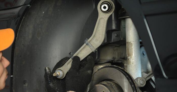 Wie lange benötigt das Auswechseln der Teile: Querlenker beim BMW E39 2003 - Detailliertes PDF-Tutorial
