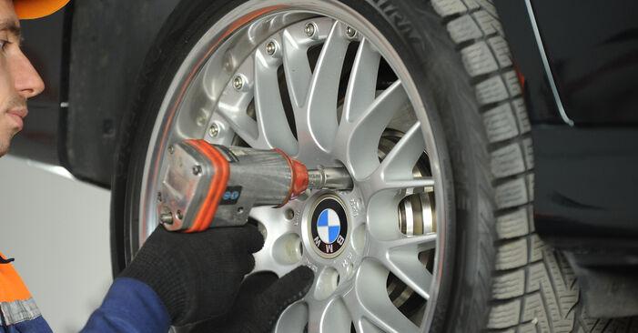 BMW E39 530d 3.0 1997 Querlenker austauschen: Unentgeltliche Reparatur-Tutorials
