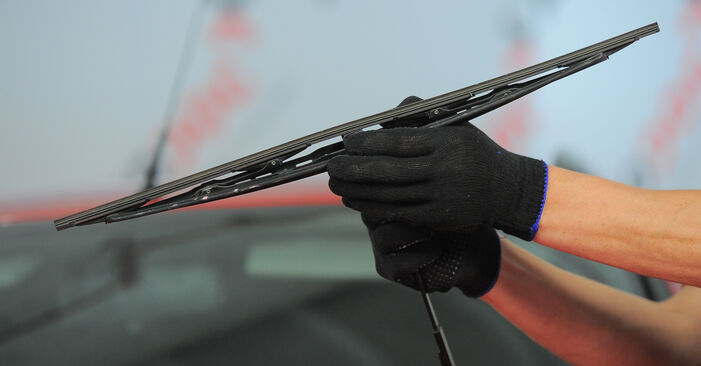 Scheibenwischer Ford Mondeo Mk3 2.0 16V TDDi / TDCi 2002 wechseln: Kostenlose Reparaturhandbücher
