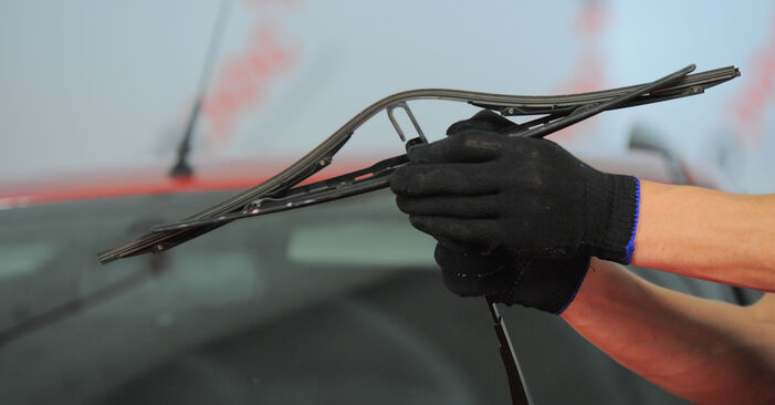 Changing Wiper Blades on FORD MONDEO III Estate (BWY) 1.8 16V 2003 by yourself