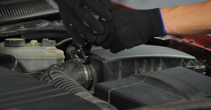 Austauschen Anleitung Luftfilter am Ford Mondeo bwy 2002 2.0 16V selbst