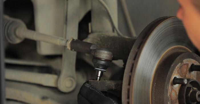 Schritt-für-Schritt-Anleitung zum selbstständigen Wechsel von Ford Mondeo bwy 2005 2.2 TDCi Spurstangenkopf