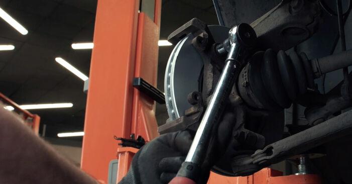 Bremsscheiben Ford Mondeo bwy 2.0 16V TDDi / TDCi 2002 wechseln: Kostenlose Reparaturhandbücher