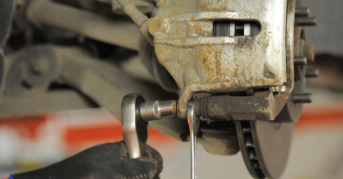 Ford Mondeo bwy 2.0 TDCi 2002 Stabdžių Kaladėlės keitimas: nemokamos remonto instrukcijos