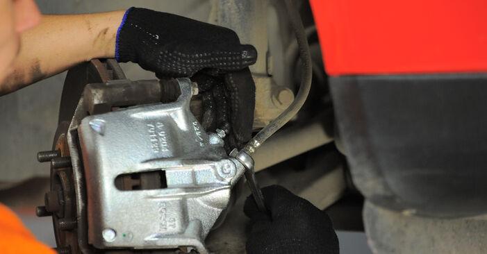 Bremssattel Ford Mondeo Mk3 2.0 16V TDDi / TDCi 2002 wechseln: Kostenlose Reparaturhandbücher