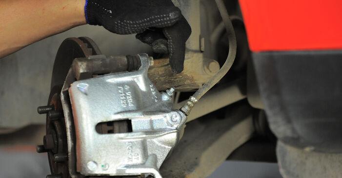 Bremssattel beim FORD MONDEO 2.0 16V DI / TDDi / TDCi 2007 selber erneuern - DIY-Manual