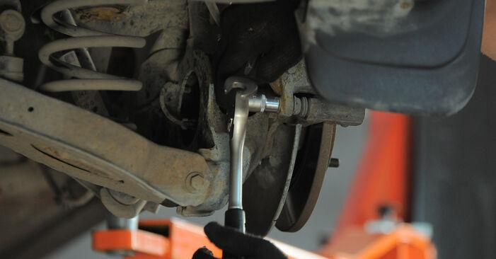 Ar sudėtinga pasidaryti pačiam: Ford Mondeo bwy ST220 3.0 2006 Stabdžių apkaba keitimas - atsisiųskite iliustruotą instrukciją
