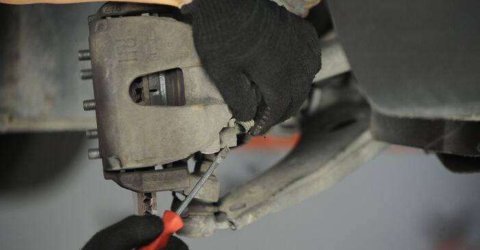 Ar sudėtinga pasidaryti pačiam: Ford Focus mk2 Sedanas 1.4 2010 Stabdžių apkaba keitimas - atsisiųskite iliustruotą instrukciją