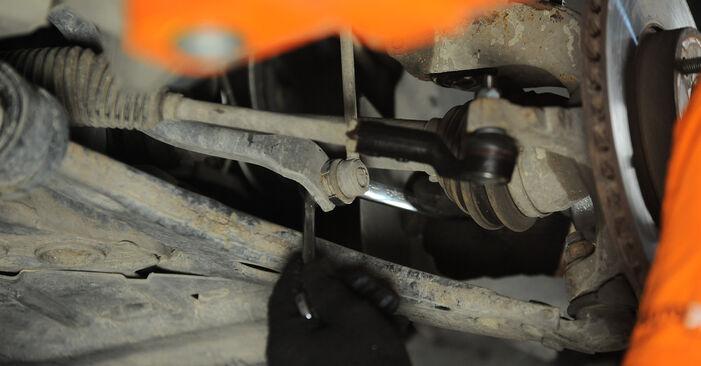 Vanskelighetsgrad: Bytte av Stabilisatorstag på Ford Focus mk2 Sedan 1.4 2011 – last ned illustrert veiledning