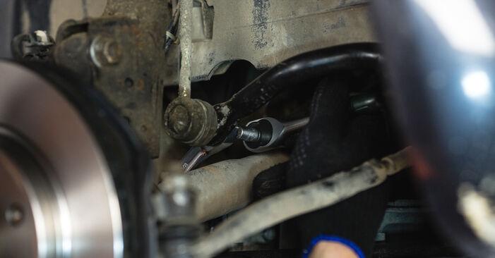 Wie schwer ist es, selbst zu reparieren: Koppelstange Mercedes W168 A 160 CDI 1.7 (168.006) 2003 Tausch - Downloaden Sie sich illustrierte Anleitungen