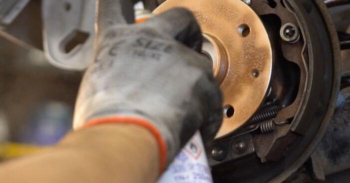 MERCEDES-BENZ A-CLASS A 160 CDI 1.7 (168.007) Brake Drum replacement: online guides and video tutorials