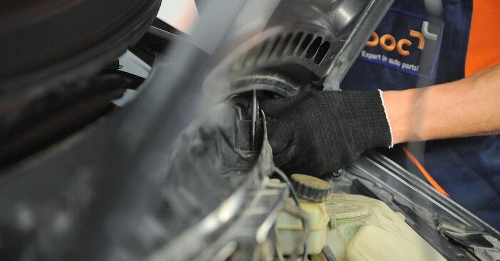 Innenraumfilter Ihres Mercedes W168 A 160 CDI 1.7 (168.007) 1997 selbst Wechsel - Gratis Tutorial