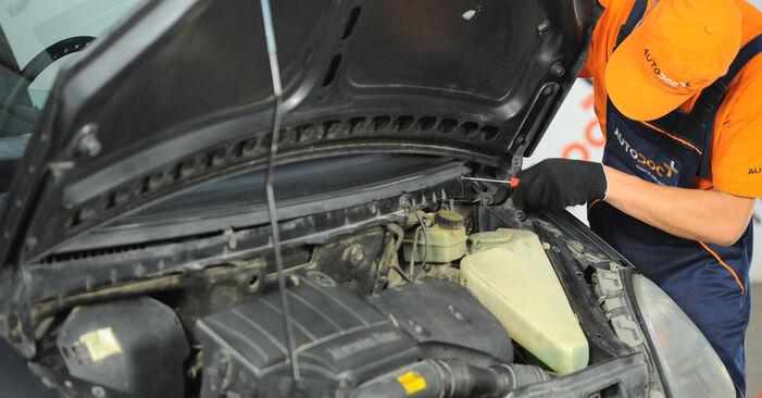 Austauschen Anleitung Innenraumfilter am Mercedes W168 1999 A 140 1.4 (168.031, 168.131) selbst