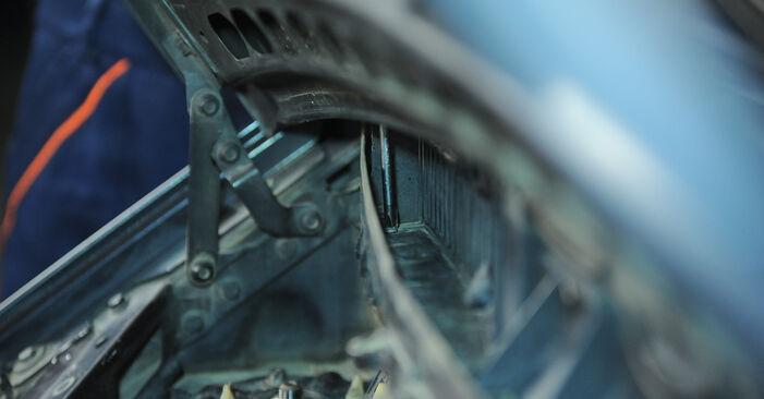 Wechseln Innenraumfilter am MERCEDES-BENZ A-Klasse (W168) A 170 CDI 1.7 (168.008) 2000 selber