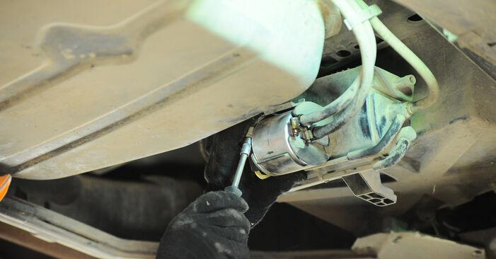 Zweckdienliche Tipps zum Austausch von Kraftstofffilter beim MERCEDES-BENZ A-Klasse (W168) A 160 1.6 (168.033, 168.133) 2003