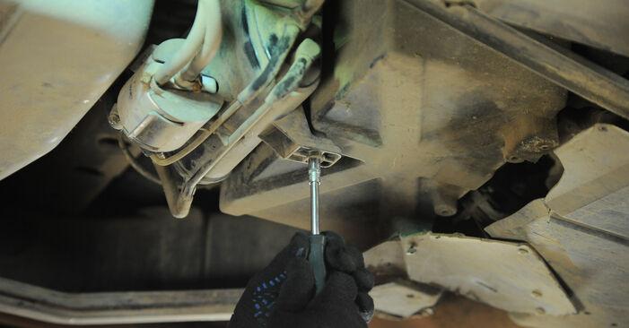 Kraftstofffilter Mercedes W168 A 160 1.6 (168.033, 168.133) 1999 wechseln: Kostenlose Reparaturhandbücher