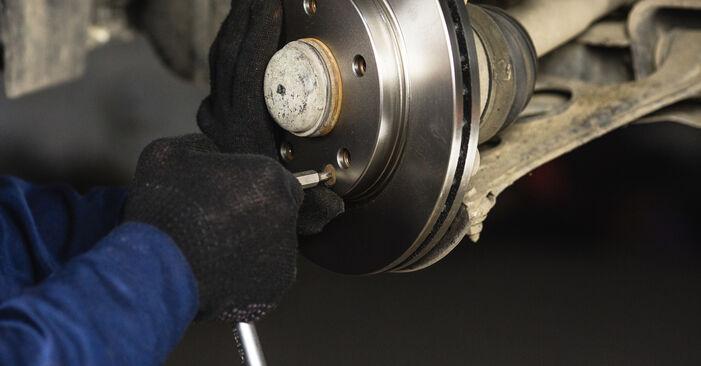 Zweckdienliche Tipps zum Austausch von Bremsscheiben beim MERCEDES-BENZ A-Klasse (W168) A 160 1.6 (168.033, 168.133) 2003