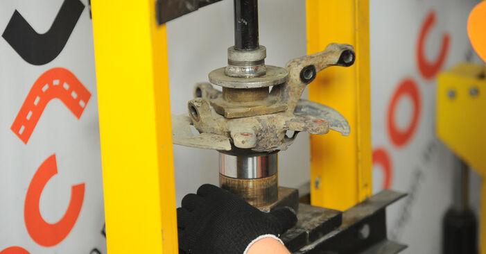 MERCEDES-BENZ A-CLASS A 190 Twin Engine Radlager ausbauen: Anweisungen und Video-Tutorials online