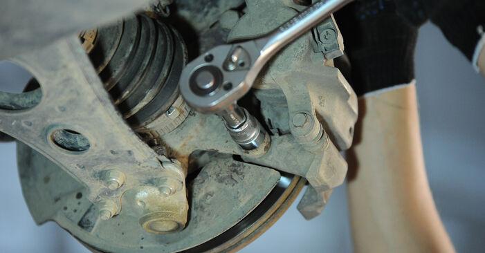 Austauschen Anleitung Radlager am Mercedes W168 1999 A 140 1.4 (168.031, 168.131) selbst