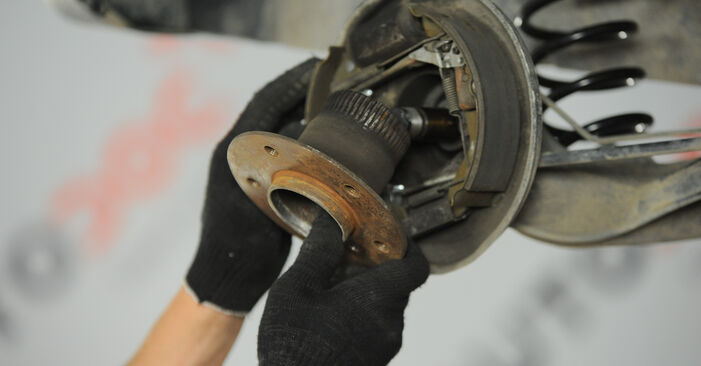 A-Class (W168) A 190 1.9 (168.032, 168.132) 2000 Wheel Bearing DIY replacement workshop manual