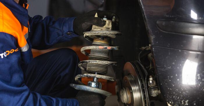 Stoßdämpfer beim MERCEDES-BENZ A-CLASS A 210 2.1 (168.035, 168.135) 2004 selber erneuern - DIY-Manual