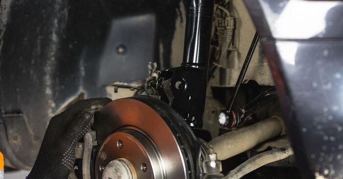 Schritt-für-Schritt-Anleitung zum selbstständigen Wechsel von Mercedes W168 2002 A 190 1.9 (168.032, 168.132) Stoßdämpfer