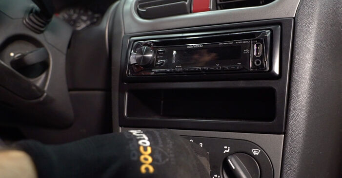 OPEL CORSA 2000 Innenraumfilter Schrittweise Anleitungen zum Wechsel von Autoteilen