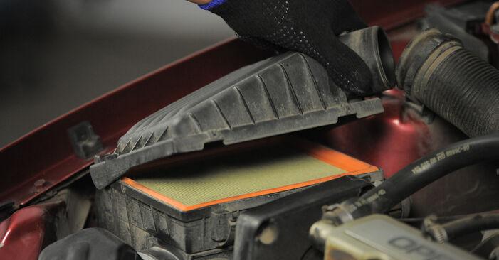 Luftfilter am OPEL Corsa B Schrägheck (S93) 1.7 D (F08, F68, M68) 1998 wechseln – Laden Sie sich PDF-Handbücher und Videoanleitungen herunter