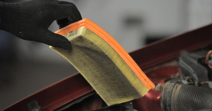 Wie schwer ist es, selbst zu reparieren: Luftfilter Opel Corsa S93 1.4 i 16V (F08, F68, M68) 1999 Tausch - Downloaden Sie sich illustrierte Anleitungen