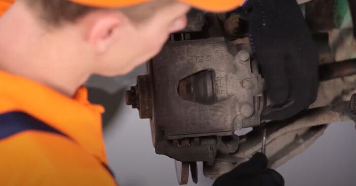 Vanskelighetsgrad: Bytt Bremseskiver på Opel Corsa S93 1.4 i 16V (F08, F68, M68) 1999 – last ned illustrert veiledning