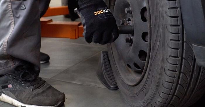 Jak vyměnit OPEL Corsa B Hatchback (S93) 1.0 i 12V (F08, F68, M68) 1994 Odpruzeni - návody a video tutoriály krok po kroku.