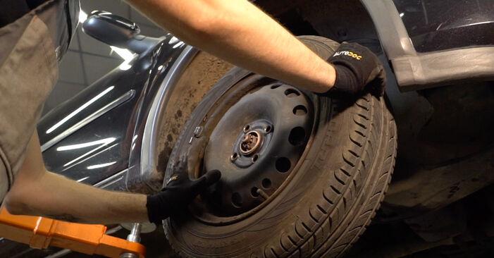 Wie schwer ist es, selbst zu reparieren: Traggelenk Opel Corsa S93 1.4 i 16V (F08, F68, M68) 1999 Tausch - Downloaden Sie sich illustrierte Anleitungen