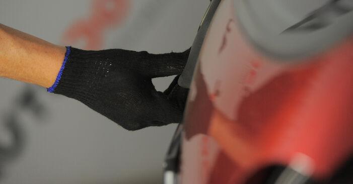 Quanto è difficile il fai da te: sostituzione Ammortizzatori su Opel Corsa S93 1.4 i 16V (F08, F68, M68) 1999 - scarica la guida illustrata