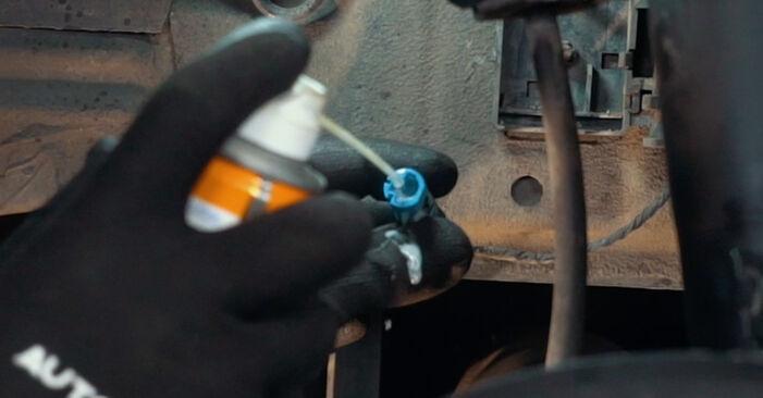 BMW X3 3.0 d ABS Sensor ausbauen: Anweisungen und Video-Tutorials online