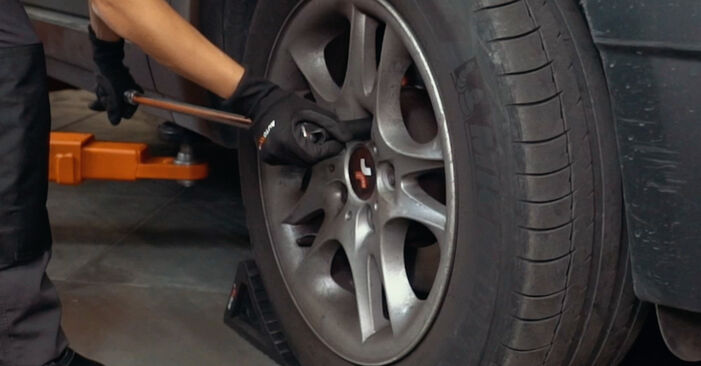 How to replace BMW X3 (E83) 2.0 d 2004 Brake Discs - step-by-step manuals and video guides