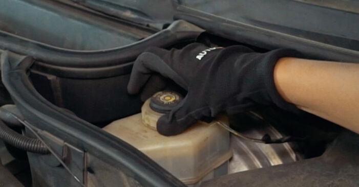 Wie Bremsscheiben BMW X3 E83 2.0 d 2003 tauschen - Kostenlose PDF- und Videoanleitungen